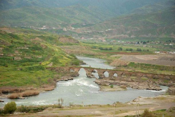 اجرای ۳۵ کیلومتر از خط انتقال آب ارس به تبریز